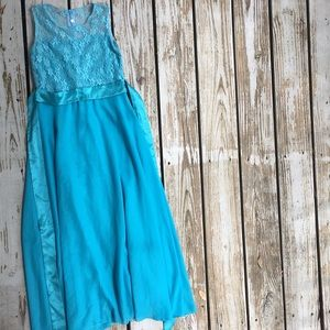 Other - Girls maxi dress flower lace and ties.